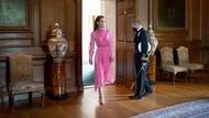 Cantik Bergaun Pink, Cara Manis Kate Middleton Hibur Anak Pasien Leukimia