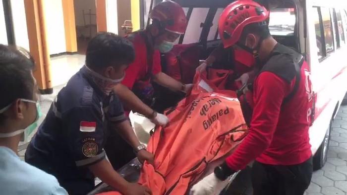tekinisi hotel ibis malang tewas dibawa ke RSU dr Syaiful Anwar