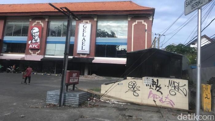 Deretan Ruko Tutup di Bali