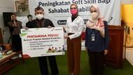 Stafsus Presiden Temui Siswa Sekolah Difabel Pertamina di Bandung