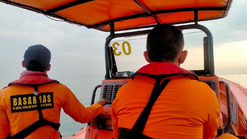 Sudah Dua Hari, Tim SAR Cari ABK KM Singa Laut yang Terjatuh di Kalbar