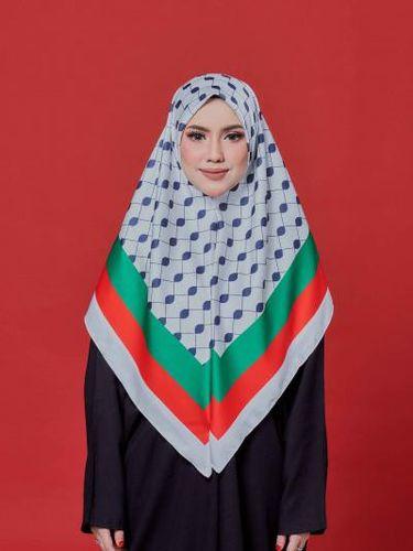 Kerudung terinspirasi aksi Bella Hadid saat aksi bela Palestina.