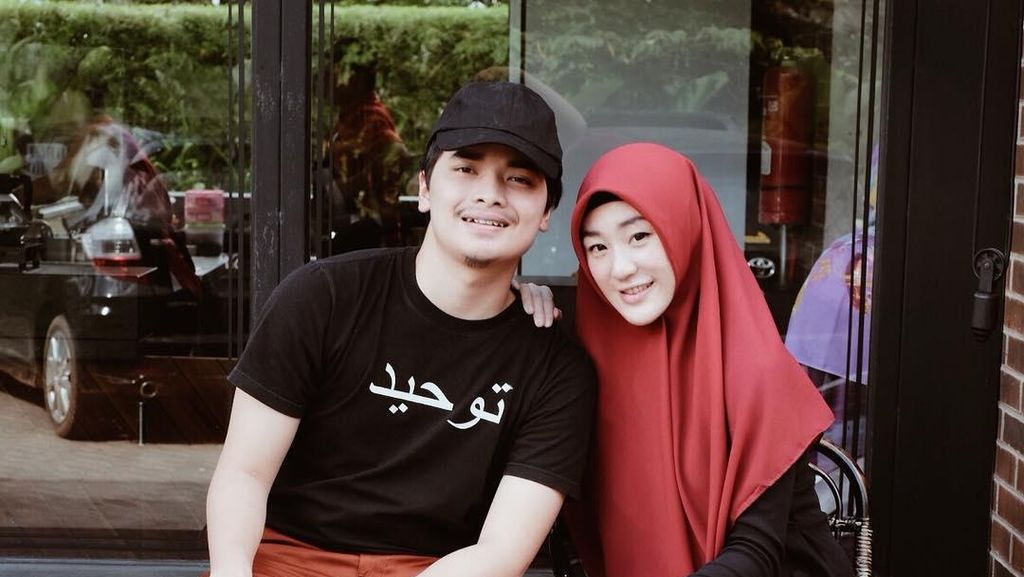 7 Potret Gaya Kompak Alvin Faiz dan Larissa Chou Sebelum Saling Sindir