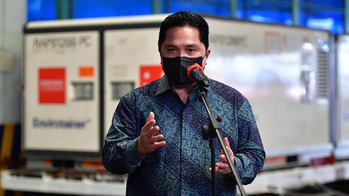 Hari ini vaksin tahap ke-14 kembali tiba di Indonesia. Sebanyak 8 juta bulk vaksin Sinovac mendarat di Bandara Soetta. Menteri Badan Usaha Milik Negara (BUMN) Erick Thohir yang menerima dan melihat langsung.