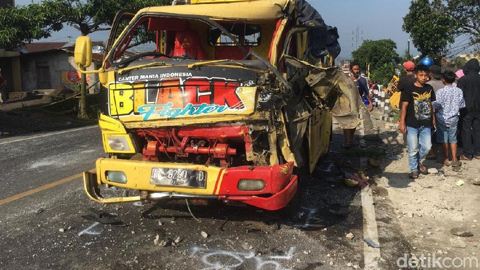 Kecelakaan beruntun di Jalan Wonosobo-Parakan, Wonosobo, Senin (31/5/2021).