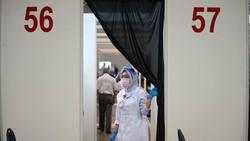 Malaysia akan melakukan pembatasan aktivitas berskala nasional mulai 1 Juni 2021 besok. Program vaksinasi COVID-19 massal pun terus digencarkan jelang lockdown.