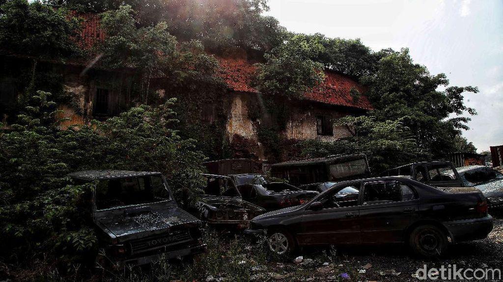 Melihat Lebih Dekat Kastel Batavia yang Tersembunyi di Jakarta Utara