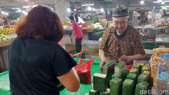 Pedagang Tempe di Bandung