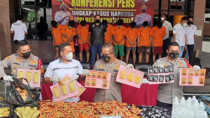 Polres Jaksel bongkar pabrik ganja sintetis di Bogor, Jawa Barat