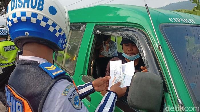 Razia angkot di Kabupaten Bandung