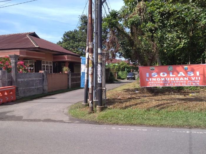 Suasana lingkungan yang diisolasi di Medan (Datuk-detikcom)