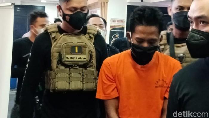 Jumpa pers kasus pria bakar tetangga di Cengkareng Jakbar