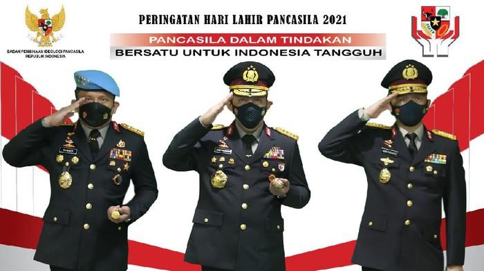 Kapolri Jenderal Listyo Sigit Prabowo (tengah)