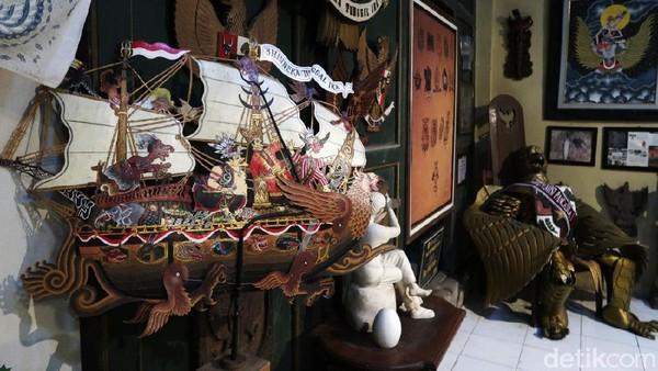 Untuk jumlah koleksi Rumah Garuda sejauh ini belum pernah dihitung secara teliti.