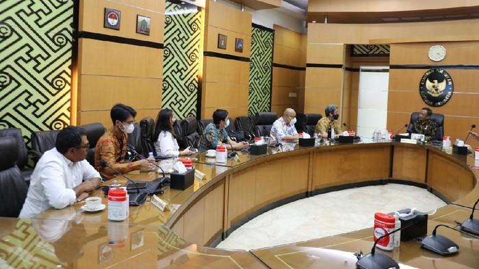 Pertemuan BEM UI dan Mahfud Md di Kantor Kemenko Polhukam bahas status tersanga 9 mahasiswa demo Hardiknas.