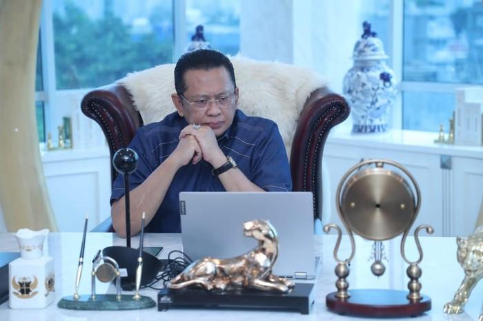 Ketua MPR RI sekaligus Ketua Umum Ikatan Motor Indonesia (IMI) Bambang Soesatyo bersama Ketua IMI Singapura Bernard Tay sepakat meningkatkan kerja sama di bidang otomotif.