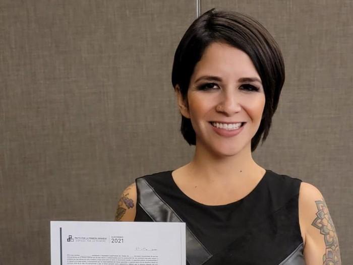 Rocio Pino, model dewasa jadi politisi.