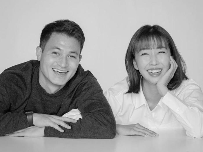 Sunny Dahye dan Chris Okano menikah