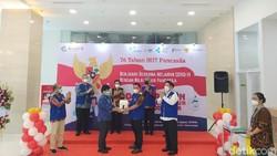 Program vaksinasi Corona Pancasila dibuka di RS Ukrida tepat di Hari Lahir Pancasila, 1 Juni 2021. Menyasar 5.000 warga usia 50 tahun ke atas. Ini potretnya.