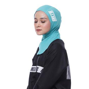 Hijab olahraga dari Arktiv Muslimah Sportware.