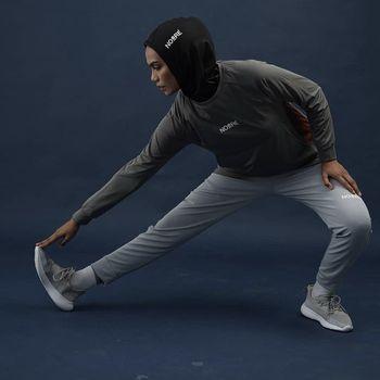 Hijab olahraga dari Noore Sport Hijab.