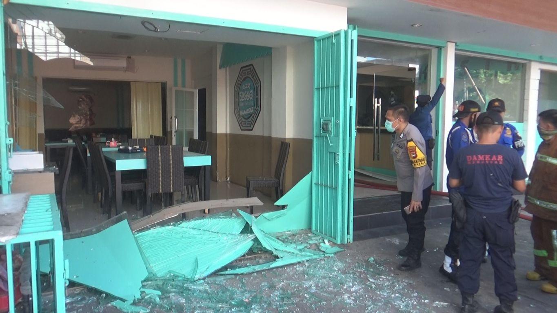 Ledakan diduga berasal dari tabung gas di restoran Korea, Makassar, Sulsel