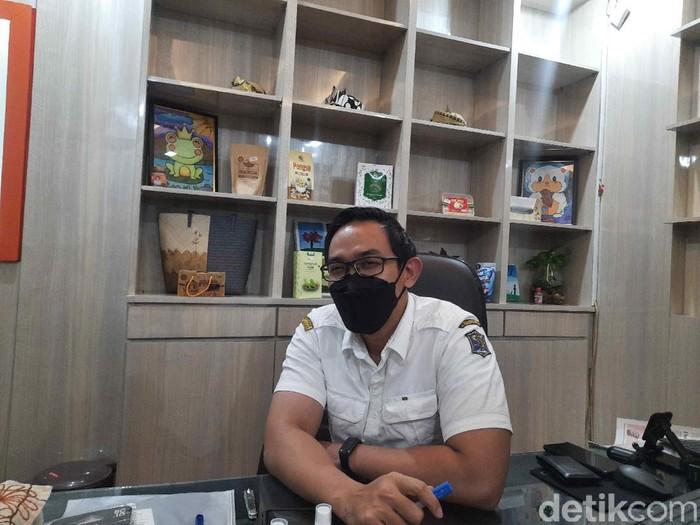 Kabag Humas Pemkot Surabaya Febriadhitya Prajatara mengatakan, Pemkot tidak memiliki niat dan maksud apa pun. Sebab, vaksinasi itu untuk mengantisipasi dan saling menjaga, agar penghuni rusun tidak mudah terpapar Corona.