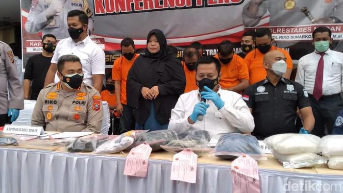 Pengungkapan kasus begal tusuk pemotor di Medan (Datuk Haris/detikcom)