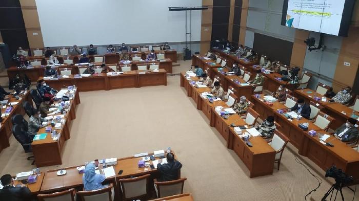 Rapat komisi VIII DPR dan Menag Yaqut (Rolando-detikcom)