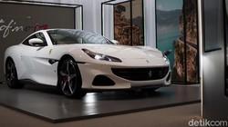 Fasilitas Kartu Kredit Ahok, Sekali Gesek Bisa Beli 3 Ferrari Terbaru