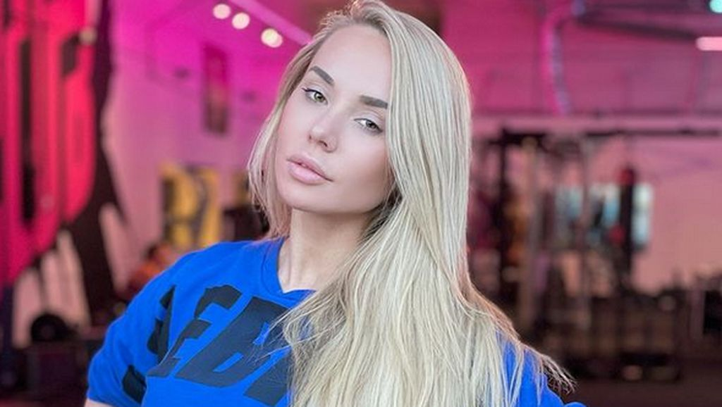 Model Playboy Dulu Hidup Irit Makan Mie Instan, Kini Dapat Miliaran Rupiah