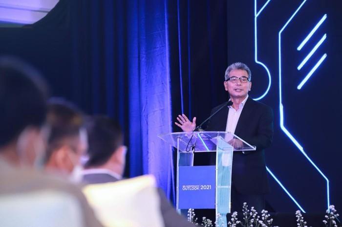 Direktur Utama BRI Sunarso mengatakan layanan bank digital & konvesional bisa berjalan beriringan demi manfaat besar untuk masyarakat.