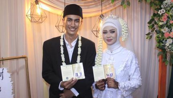 KIsah viral dulu latihan ujian praktik ijab kabul, kini malah menikah dalam dunia nyata.