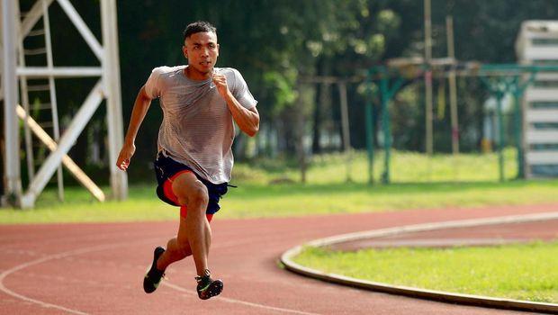 Atleti lari nasional, Lalu Muhammad Zohri, berlatih di Stadion Madya, Jakarta, menjelang Olimpiade Tokyo 2020.