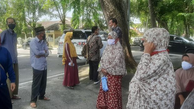 Penghuni panti jompo di Riau adukan pengurus panti karena menduga banyak bantuan masyarakat malah dijual