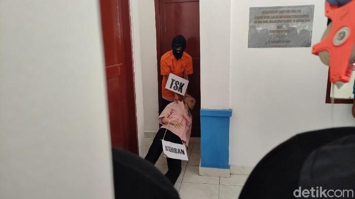 Rekonstruksi pembunuhan wanita muda di Kulon Progo. Rekonstruksi digelar Kamis (3/6/2021)