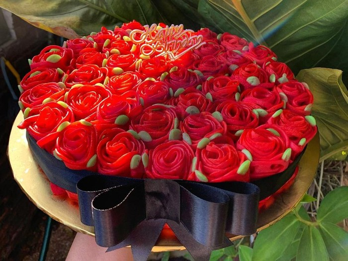 Roti Jala Bentuk Bunga Mawar