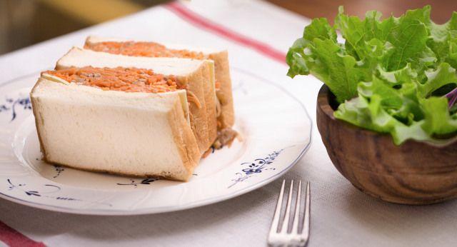 Setelah Pisang, Cara Makan Sandwich Sesuai Etiket Ini Juga Jadi Sorotan