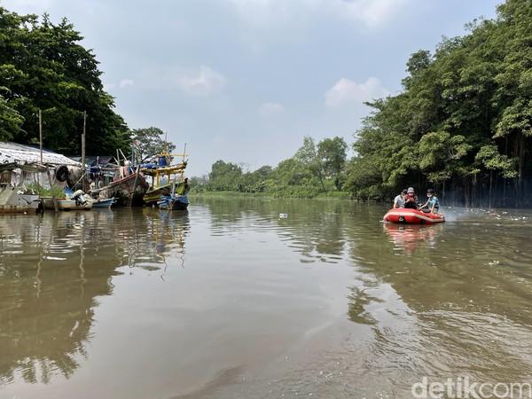 Tak hanya itu, Suaka Margasatwa Muara Angke adalah rumah terakhir di Jakarta bagi lutung Jawa. Hewan itu saat ini sudah tiada lagi alias punah.