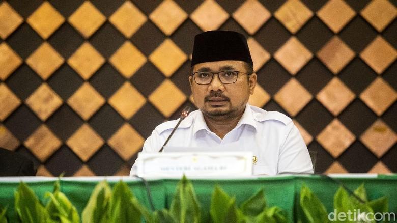 Menteri Agama Yaqut Cholil Qoumas memberikan pengumuman tentang nasib ibadah haji di Kementerian Agama, Jakarta, Kamis (3/6/2021). Hadir dalam pengumuman soal haji 2021 tersebut pimpinan Komisi VIII DPR, Sekjen Pengurus Besar Nahdlatul Ulama (PBNU), Sekjen Majelis Ulama Indonesia, dan Kepala BPKH.