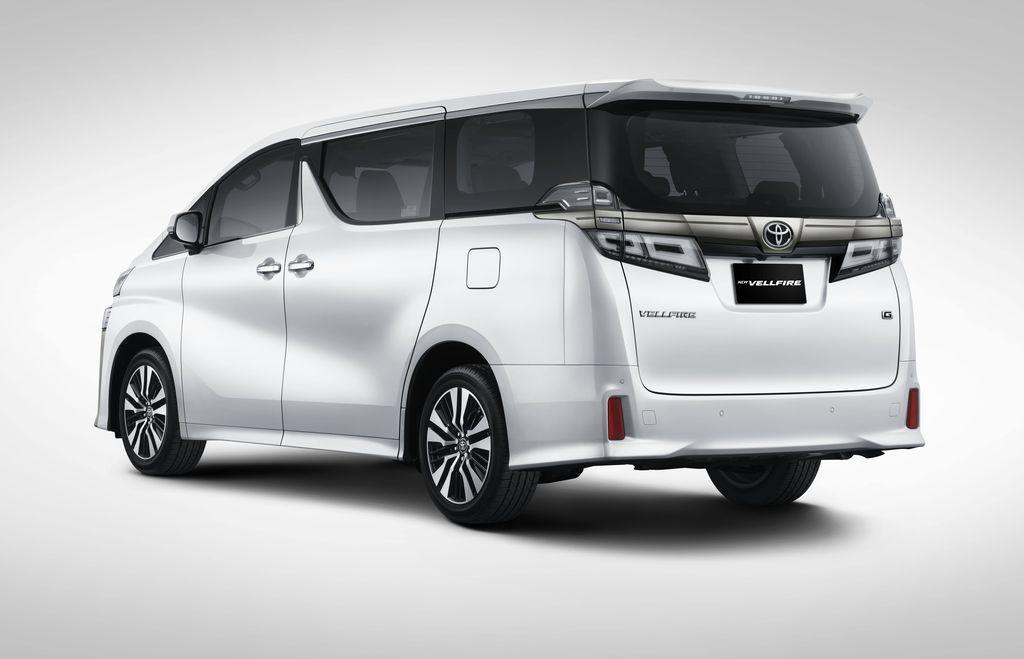 Toyota meluncurkan Alphard dan Vellfire terbaru, 3 Juni 2021. Alphard dan Vellfire punya fitur lebih canggih. Tampilan Vellfire juga diperbarui jadi lebih sporty.