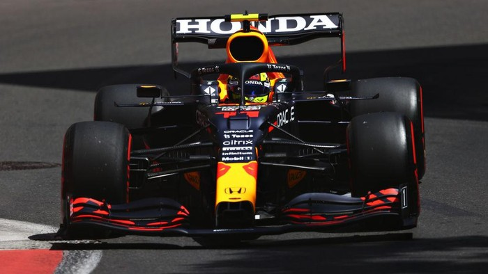 BAKU, AZERBAIJAN - JUNE 04: Sergio Perez of Mexico driving the (11) Red Bull Racing RB16B Honda on track during practice ahead of the F1 Grand Prix of Azerbaijan at Baku City Circuit on June 04, 2021 in Baku, Azerbaijan. (Photo by Francois Nel/Getty Images)