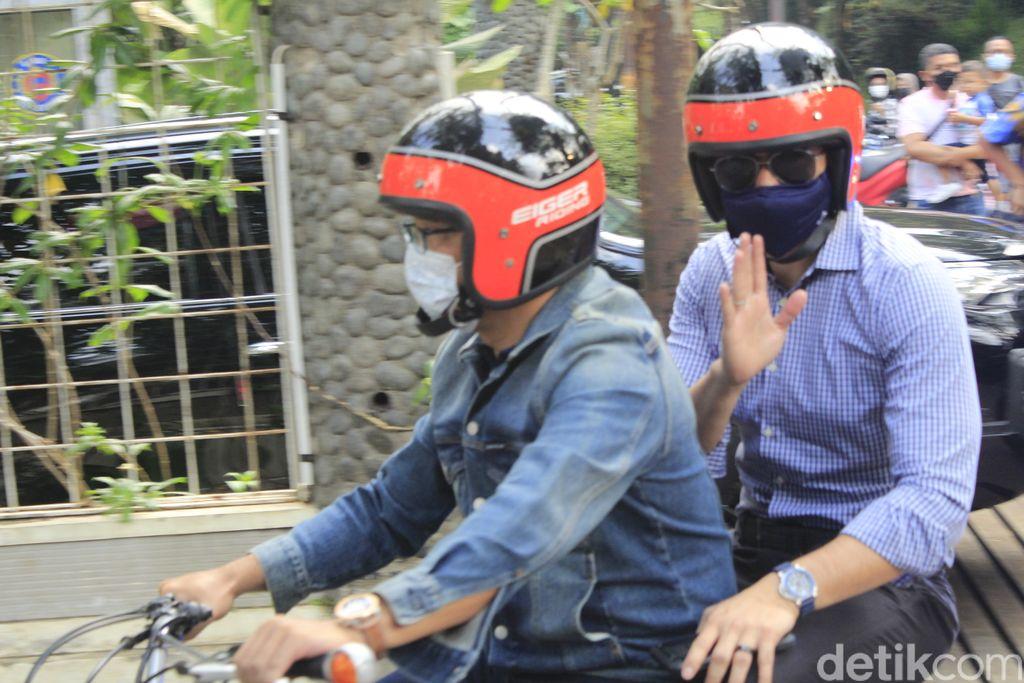 AHY dan Ridwan Kamil bertemu di Bandung sambil boncengan
