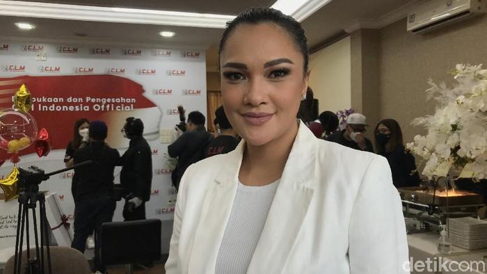 Presenter dan penyanyi Andrea Lee