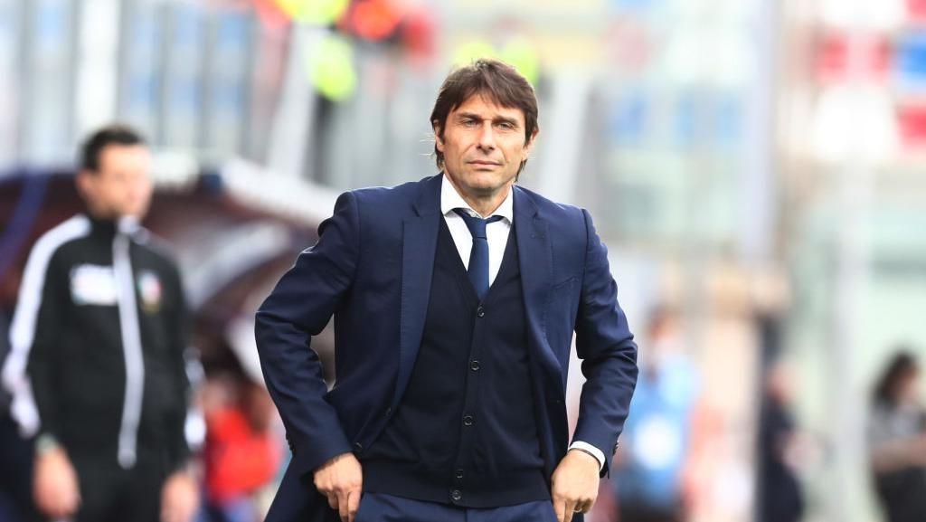 Antonio Conte Tolak Tottenham Hotspur karena...