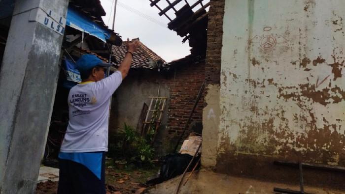 Atap Rumah Warga Rusak Akibat Angin Puting Beliung