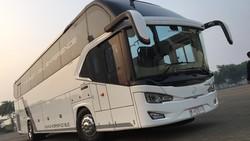 Dimana Posisi Ternyaman Duduk di Bus Double Decker?