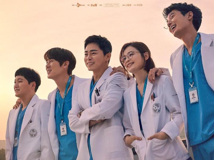 Hospital Playlist 2 menjadi drama Korea rating tertinggi tvN. Foto: dok. tvN