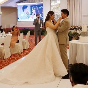 Ini Kisah Lengkap Pernikahan Outdoor Mewah Diguyur Hujan, Viral Bikin Nyesek