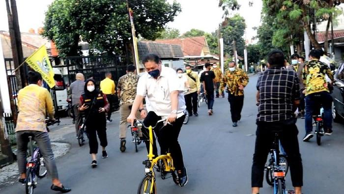 Menko Airlangga Hartarto jajal KREUZ, Brompton made in Bandung